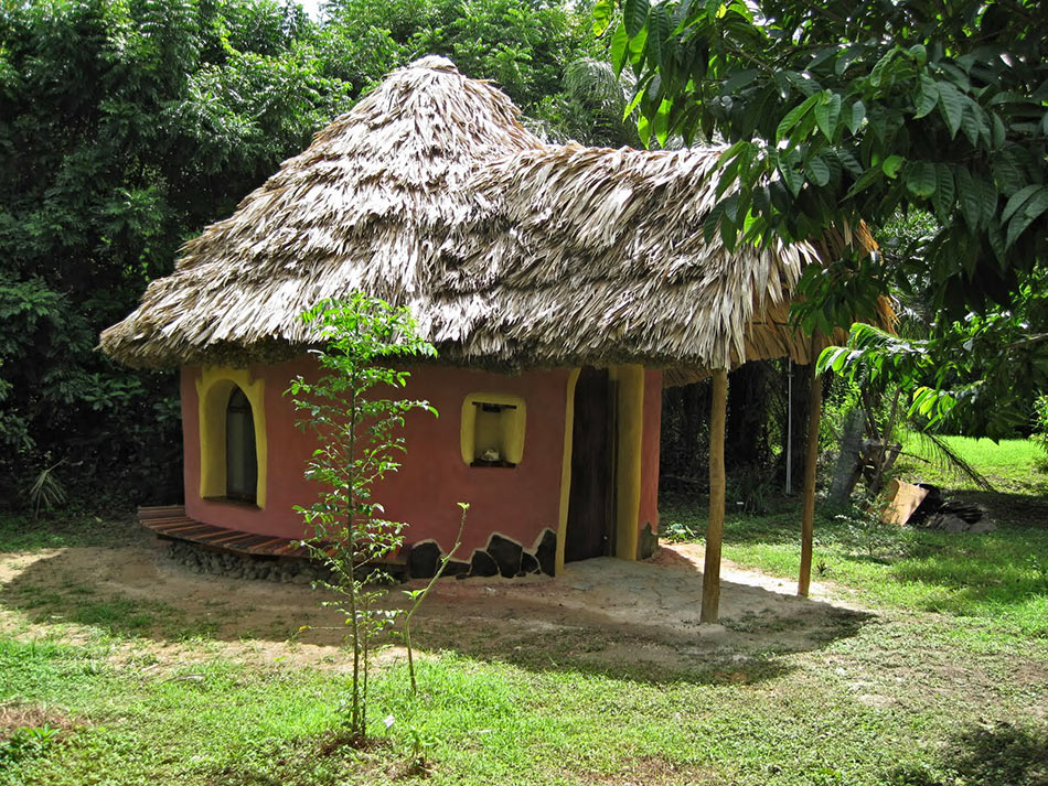 building a retirement cottage in Belize on the cheap