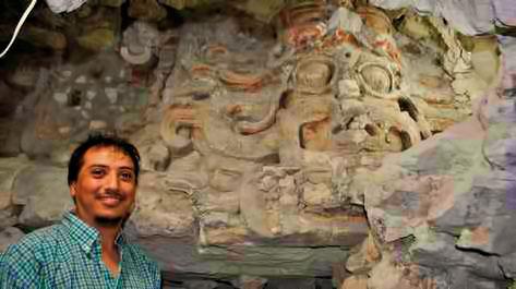 maya-pyramid-el-zotz-peten-guatemala